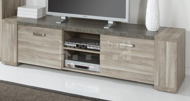 stone tv kast groot